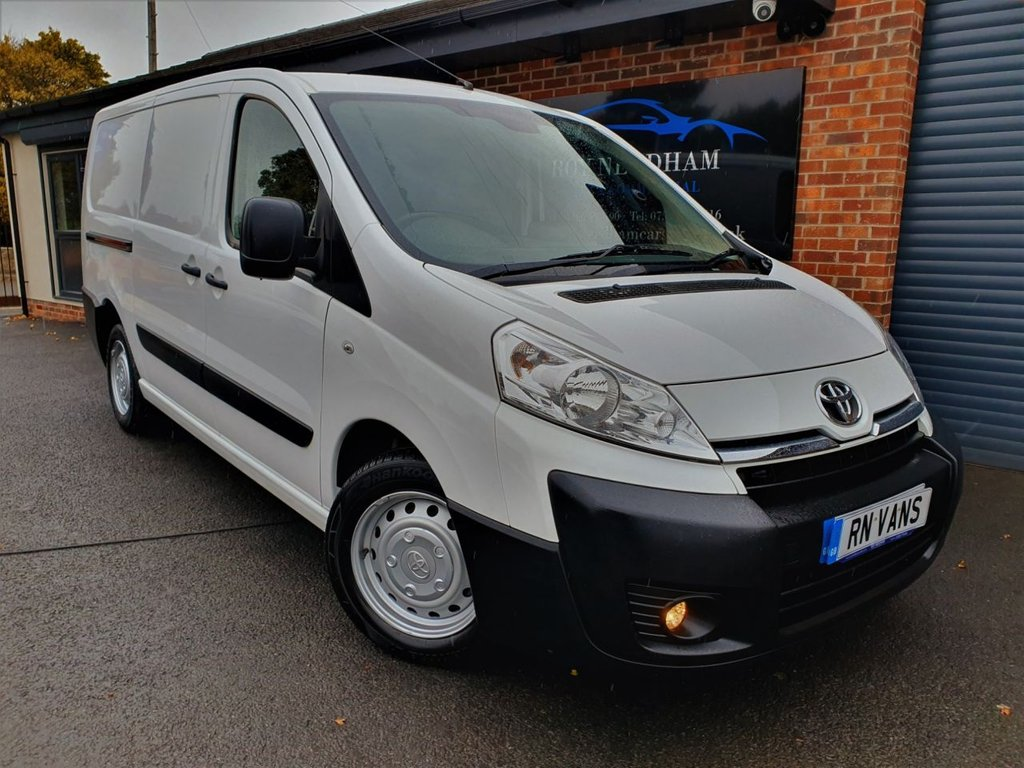 USED 2015 15 TOYOTA PROACE 2.0 L2H1 HDI 1200 P/V 127 BHP *** ONE OWNER - RACKING ***