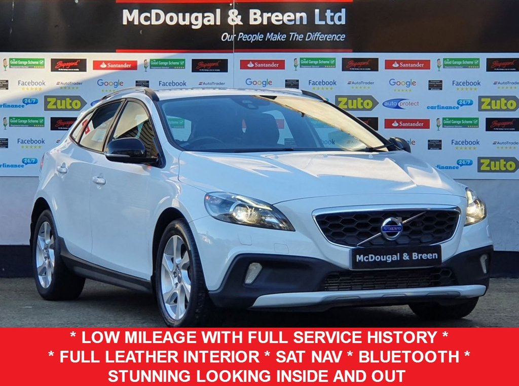 USED 2013 63 VOLVO V40 2.0 D3 CROSS COUNTRY LUX NAV 5d 148 BHP