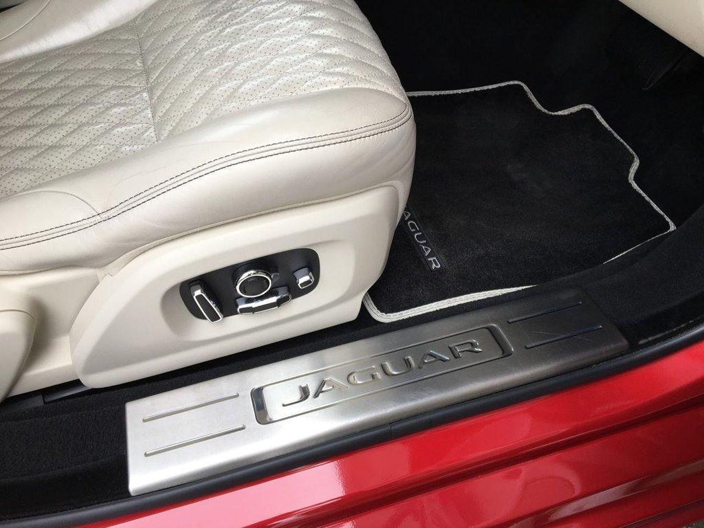 USED 2017 17 JAGUAR XJ 3.0 D V6 PORTFOLIO 4d 302 BHP