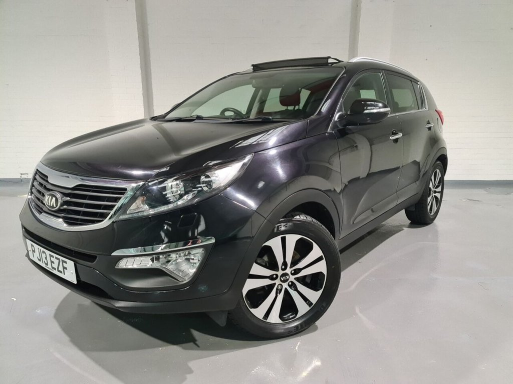USED 2013 13 KIA SPORTAGE 1.7 CRDI 3 5d 114 BHP FULL MAIN DEALER SERVICE HISTORY FULL LEATHER INTERIOR HEATED FRONT SEATS PANORAMIC GLASS SUNROOF BLUETOOTH PARKING SENSORS HEADLIGHT WASHERS ELECTRIC FOLDING MIRRORS