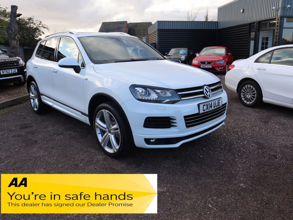 USED 2014 14 VOLKSWAGEN TOUAREG 3.0 V6 R-LINE TDI BLUEMOTION TECHNOLOGY 5d 242 BHP OPTIONAL EXTRAS AND GREAT COLOUR