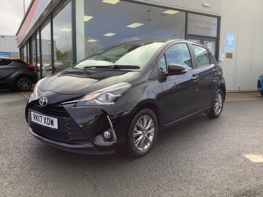 USED 2017 17 TOYOTA YARIS 1.5 VVT-I ICON TECH 5d 110 BHP