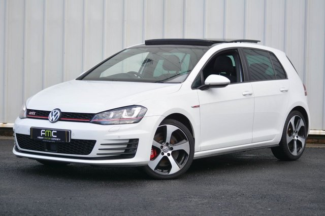 2016 51 VOLKSWAGEN GOLF 2.0 GTI PERFORMANCE 5d 227 BHP