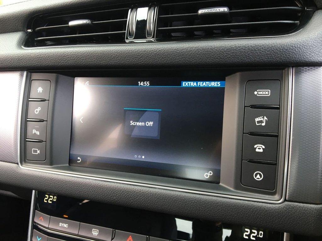 USED 2018 68 JAGUAR XF 2.0 D R-SPORT 4d 177 BHP