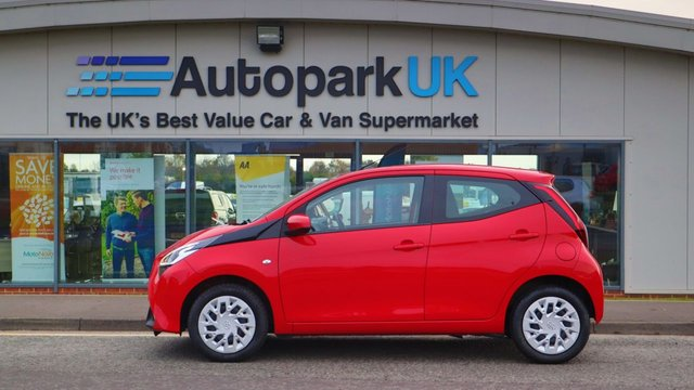 USED 2018 68 TOYOTA AYGO 1.0 VVT-I X-PLAY 5d 69 BHP . LOW DEPOSIT OR NO DEPOSIT FINANCE AVAILABLE . COMES USABILITY INSPECTED WITH 30 DAYS USABILITY WARRANTY + LOW COST 12 MONTHS USABILITY WARRANTY AVAILABLE FOR ONLY £199 (DETAILS ON REQUEST). ALWAYS DRIVING DOWN PRICES . BUY WITH CONFIDENCE . OVER 1000 GENUINE GREAT REVIEWS OVER ALL PLATFORMS FROM GOOD HONEST CUSTOMERS YOU CAN TRUST .