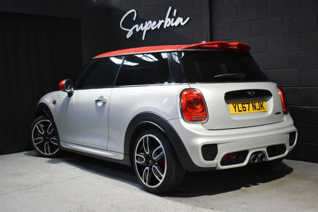 MINI HATCH JOHN COOPER WORKS at Superbia Automotive