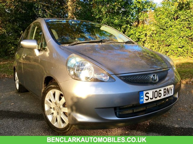 2006 06 HONDA JAZZ 1.3 DSI SE 5d AUTO 82 BHP ONLY 52,000 MILES / 1 FAMILY OWNED/ X10 SERVICE STAMPS/AIRCON/ALLOYS