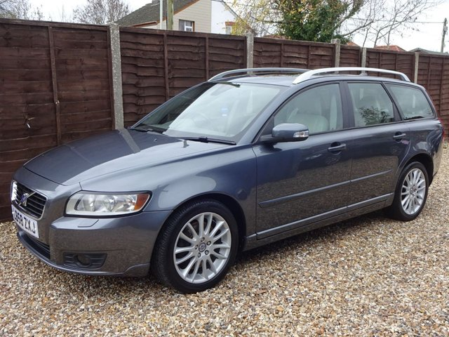 USED 2009 58 VOLVO V50 2.0D SE LUX AUTOMATIC 5DOOR ESTATE FANTASTIC SPEC, LOTS OF EXTRAS