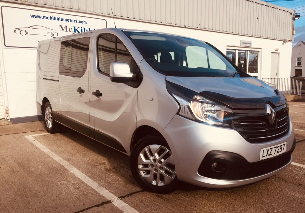 USED 2018 RENAULT TRAFIC  LL29 SPORT NAV CREW 1.6 DCI 125 BHP