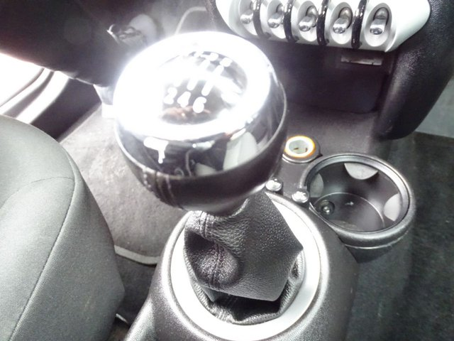 USED 2010 10 MINI CLUBMAN 1.6 COOPER D 5d 108 BHP ESTATE