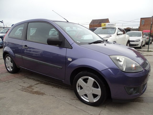USED 2006 06 FORD FIESTA 1.2 ZETEC 16V 3d 78 BHP CHEAP INSURANCE