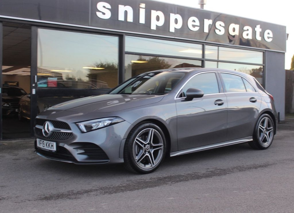 USED 2019 19 MERCEDES-BENZ A-CLASS 1.3 A 200 AMG LINE EXECUTIVE 5d 161 BHP Mountain Grey Metallic, Executive Package £1,500 option, Smartphone integration Smartphone Integration links the mobile phone with the media system via Apple® CarPlay® or Android Auto®. This gives you convenient access to the most important apps on your smartphone. You can also use apps from third-party providers such as Spotify quickly and easily.Apple Car Play,Android Auto, Active Parking Assist with PARKTRONIC Turn the stress of parking in tight spaces into a smooth and effortless procedure.
