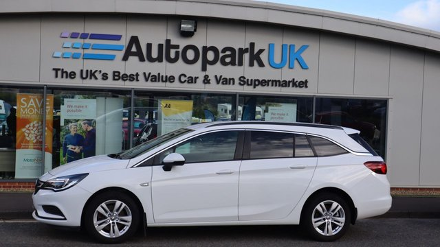 USED 2017 67 VAUXHALL ASTRA 1.6 EMERGENCY SERVICES CDTI S/S 5d 134 BHP . LOW DEPOSIT OR NO DEPOSIT FINANCE AVAILABLE . COMES USABILITY INSPECTED WITH 30 DAYS USABILITY WARRANTY + LOW COST 12 MONTHS USABILITY WARRANTY AVAILABLE FOR ONLY £199 (DETAILS ON REQUEST). ALWAYS DRIVING DOWN PRICES . BUY WITH CONFIDENCE . OVER 1000 GENUINE GREAT REVIEWS OVER ALL PLATFORMS FROM GOOD HONEST CUSTOMERS YOU CAN TRUST .
