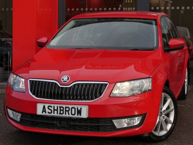 USED 2016 66 SKODA OCTAVIA 2.0 TDI SE L 5d 150 S/S SAT NAV, DAB, BLUETOOTH, REAR PARKING SENSORS WITH DISPLAY, AUX & USB INPUTS, CRUISE CONTROL, FRONT ASSIST AMBEINT TRAFFIC MONITORING, MANUAL 6 SPEED, 17 INCH 10 SPOKE ALLOYS, MUD FLAPS, DAYTIME RUNNING LIGHTS, LEATHER ALCANTARA INTERIOR, SPORT STYLE SEATS, LEATHER MULTIFUNCTION STEERING WHEEL, LIGHT & RAIN SENSORS, DRIVING MODE SELECTION, WLAN, VOICE CONTROL, SD CARD READERS, DUAL CLIMATE AIR CON, ELECTRIC HEATED FOLDING MIRRORS, ISO FIX, GOOD SERVICE HISTORY, £20 ROAD TAX (106 G/KM), VAT Q