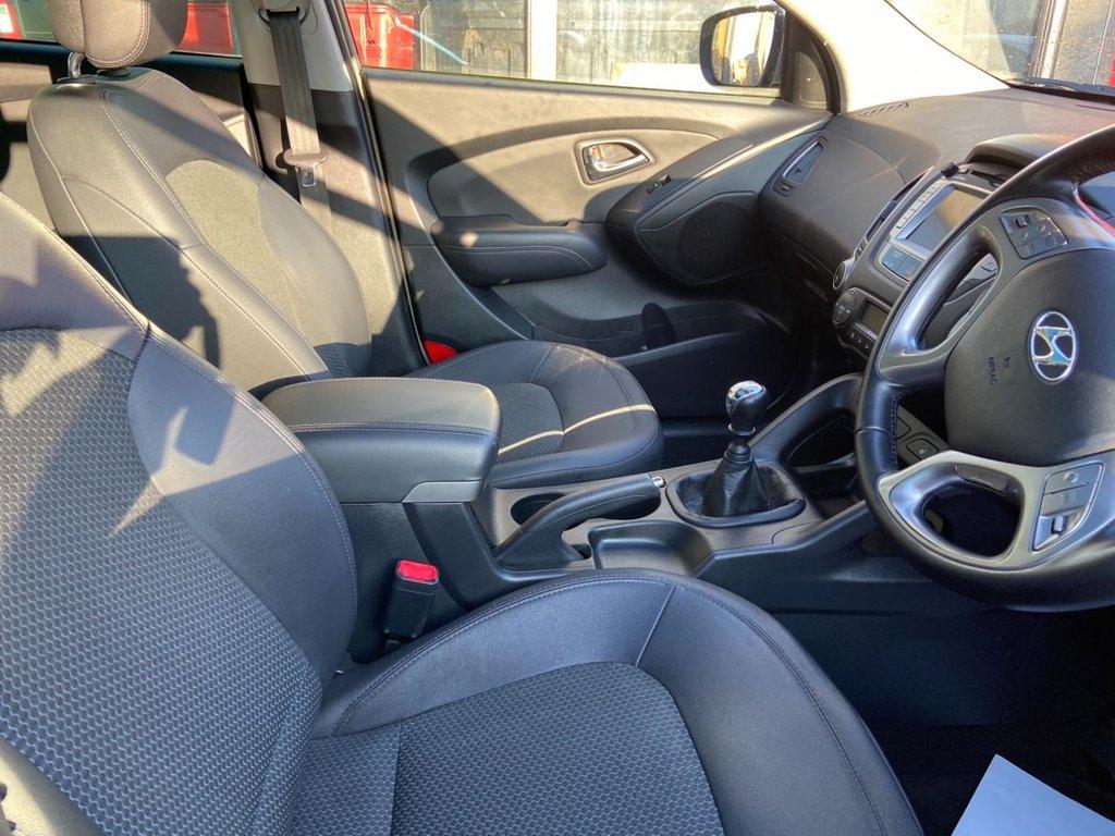USED 2010 60 HYUNDAI IX35 2.0 PREMIUM CRDI 4WD 5d 134 BHP ESTATE
