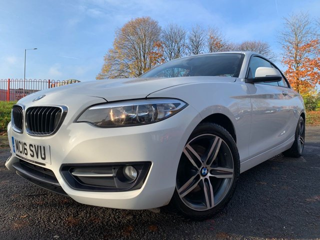 """USED 2016 16 BMW 2 SERIES 2.0 220D SPORT 2d 188 BHP 1 FORMER KEEPER+£20 ROAD TAX+FSH+17""""ALLOYS+2 KEYS+CLIMATE+AIRCON+FRONT HEATED SEATS+FRONT SPORTS SEATS+REAR FOLDING HEAD RESTRAINTS+SPLIT FOLDING REAR SEAT+HEIGHT ADJUSTIABLE DRIVER SEAT+NAVIGATION SYSTEM WITH NAVIGATION PACK+REAR PARKING SENSORS+DAYTIME RUNNING LIGHTS+AMBIENT LIGHTING+BLUETOOTH TELEPHONE PREP+MEDIA+USB+LOUDSPEAKER+HIGH GLOOS INTERIOR+LEATHER STEERING WHEEL+"""