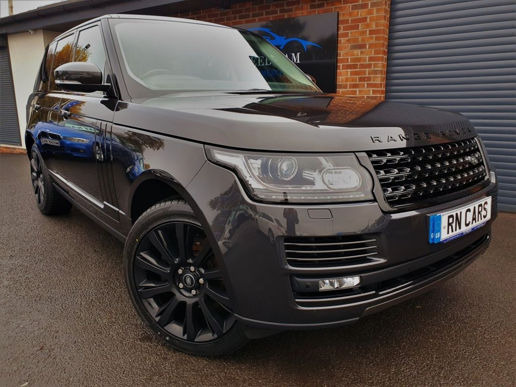 USED 2013 63 LAND ROVER RANGE ROVER 3.0 TDV6 VOGUE 5DR 258 BHP *** GREAT SPEC - 1 OWNER ***