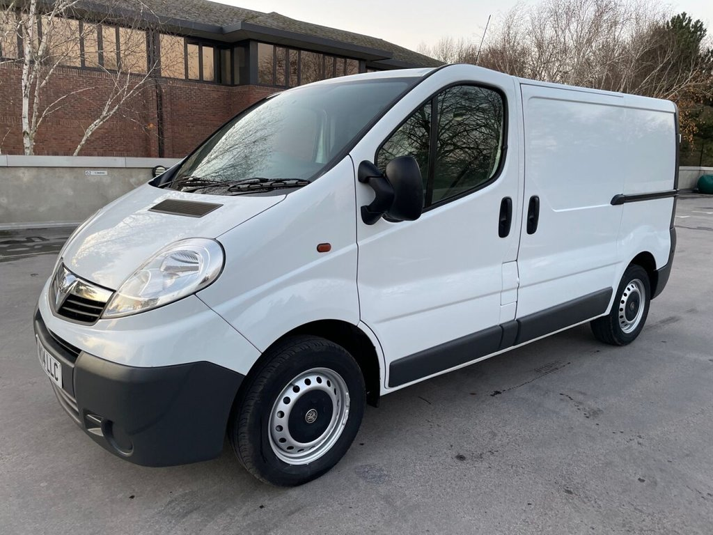 USED 2014 14 VAUXHALL VIVARO  2700 2.0CDi 115ps SWB *SENSORS*TWIN SIDE DOORS*BLUETOOTH* GREAT VALUE-2xSLD-SENSORS-SWB