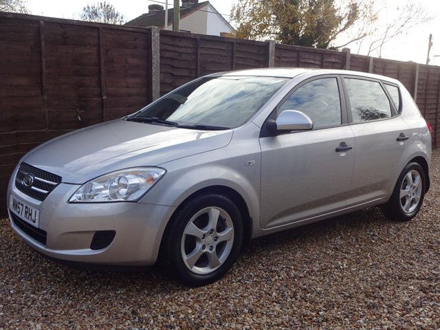 USED 2008 57 KIA CEED 1.6 SR 5DOOR AUTOMATIC LOW MILEAGE AUTOMATIC**LONG MOT AND SERVICE HISTORY