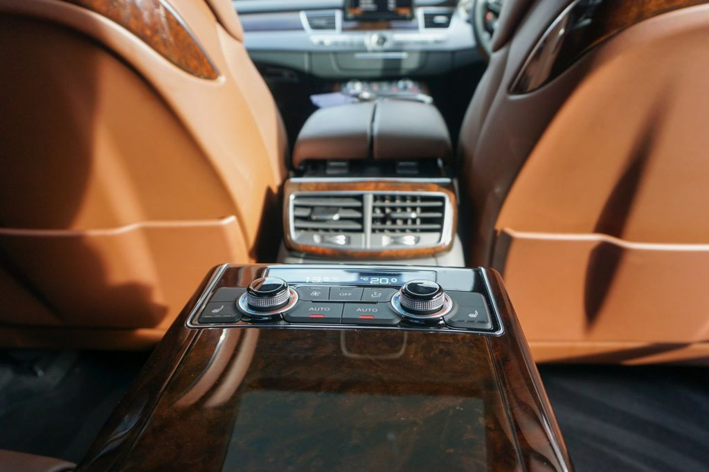 USED 2014 14 AUDI A8 3.0 L TDI QUATTRO SE EXECUTIVE 4d 254 BHP