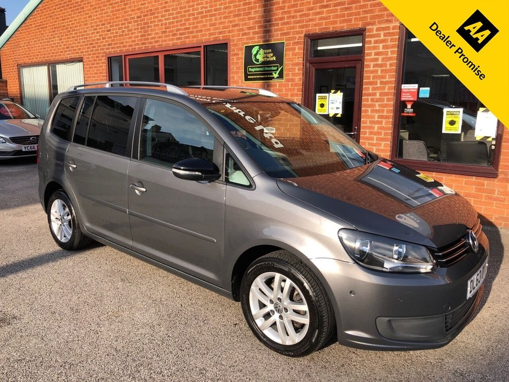 USED 2014 63 VOLKSWAGEN TOURAN 1.6 SE TDI BLUEMOTION TECHNOLOGY DSG 5d 106 BHP Family 7-Seater : Timing belt replaced in January 2020 : 2 Keys : Bluetooth : DAB Radio : Cloth upholstery  :  Isofix fittings  :  Air-conditioning/Climate control  :  Seat-Back tables  : VW Park Assist system  :  Front + rear parking sensors