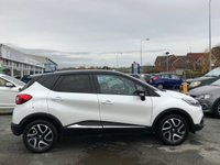 USED 2016 66 RENAULT CAPTUR 1.5 ICONIC NAV DCI 5d Family SUV Stunning in White with Black Roof and Great High Spec. Recent Service plus MOT now Ready to Finance and Drive Away Today The perfect family SUV with a smart black contrasting roof