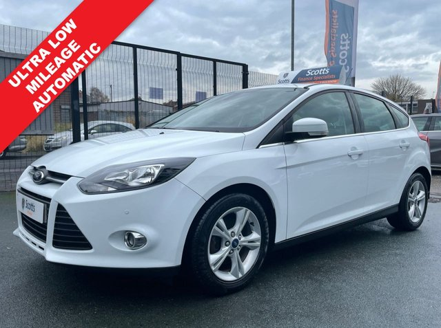 USED 2014 14 FORD FOCUS 1.6 ZETEC 5 DOOR AUTOMATIC 1 OWNER VERY LOW MILEAGE WHITE