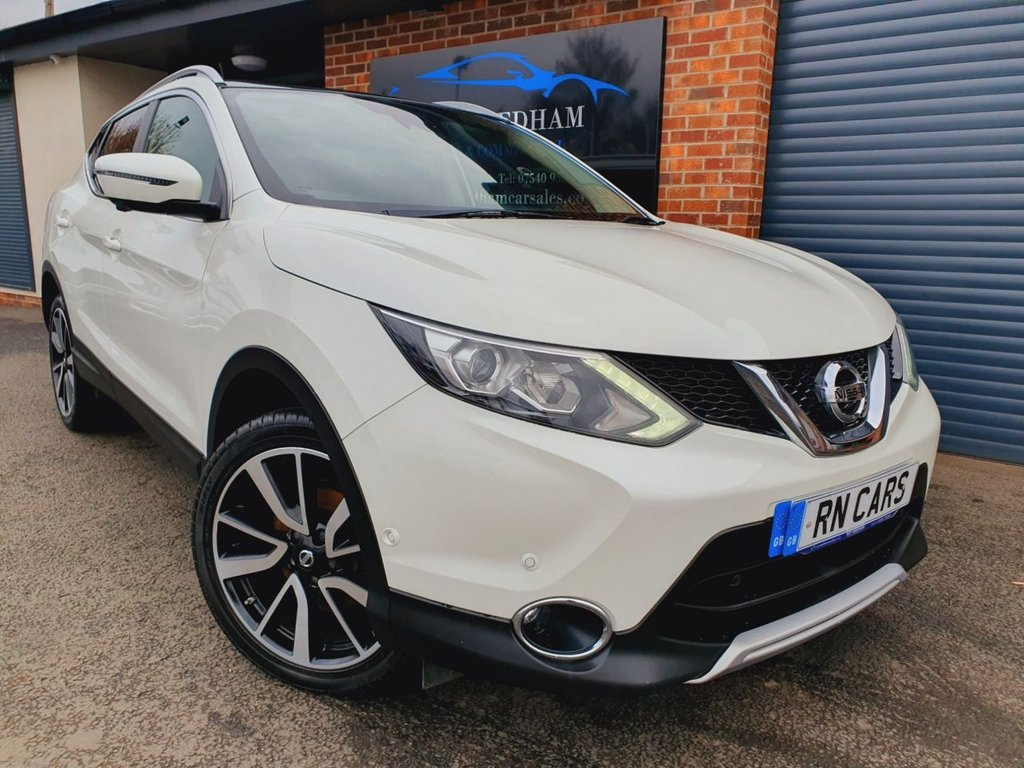 USED 2016 66 NISSAN QASHQAI 1.6 DCI TEKNA 5DR 128 BHP ** SAT NAV - ELECTRIC LEATHER - PAN ROOF **