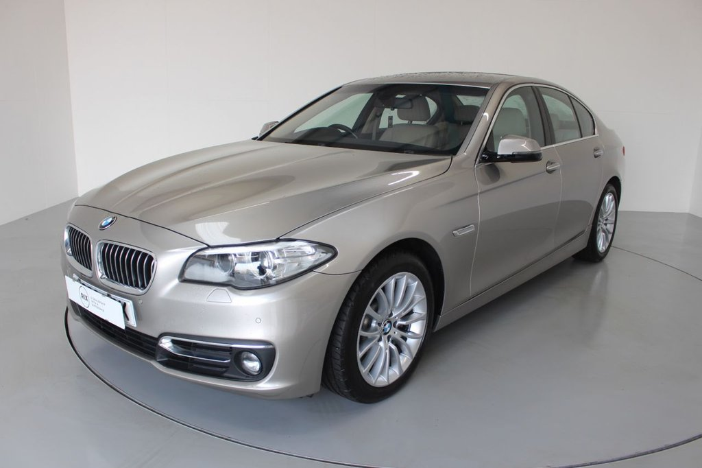USED 2014 63 BMW 5 SERIES 3.0 530D LUXURY 4d AUTO-2 OWNER CAR-REGISTERED JAN 2014-HEATED OYSTER DAKOTA LEATHER, BLUETOOTH-CRUISE CONTROL-PROFESSIONAL NAVIGATION-PARKING SENSORS-REVERSE CAMERA-DAB RADIO-CLIMATE CONTROL-ELECTRIC FOLDING MIRRORS
