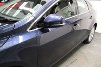 USED 2013 13 VOLVO V40 2.0 D3 SE LUX NAV 5d 148 BHP