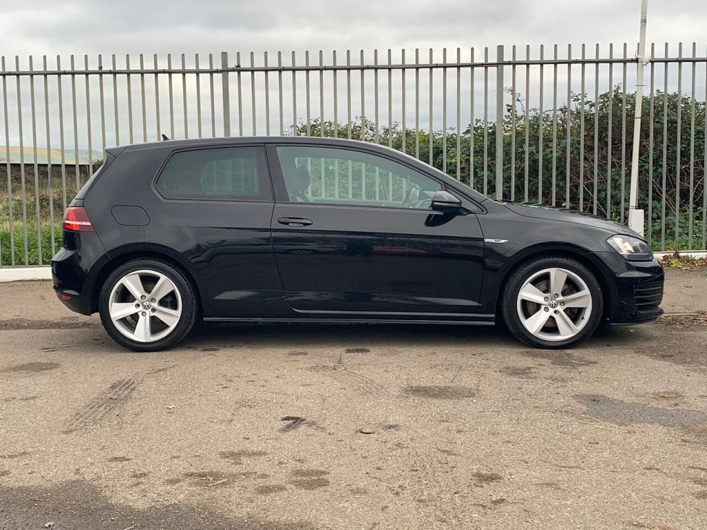 USED 2015 65 VOLKSWAGEN GOLF 2.0 GTD 3d 182 BHP
