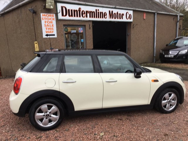 USED 2017 67 MINI HATCH COOPER 1.5 COOPER D 5d 114 BHP ++ LOW MILEAGE DIESEL ++