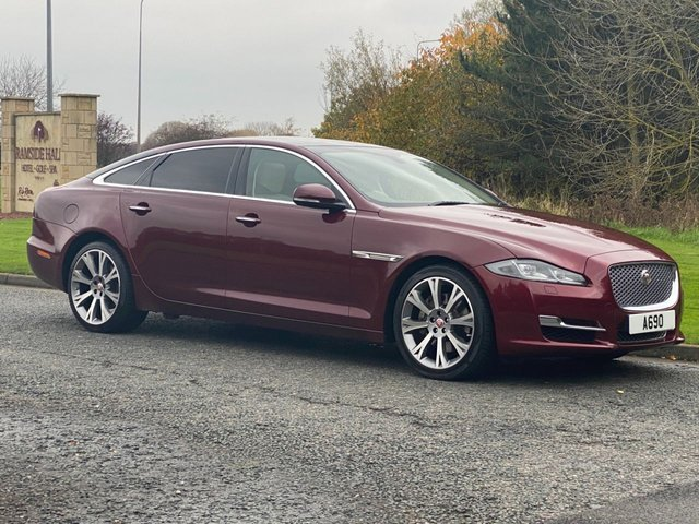 USED 2017 66 JAGUAR XJ 3.0 D V6 PORTFOLIO L 4d 296 BHP Electric Pan Roof Heated Wheel LWB