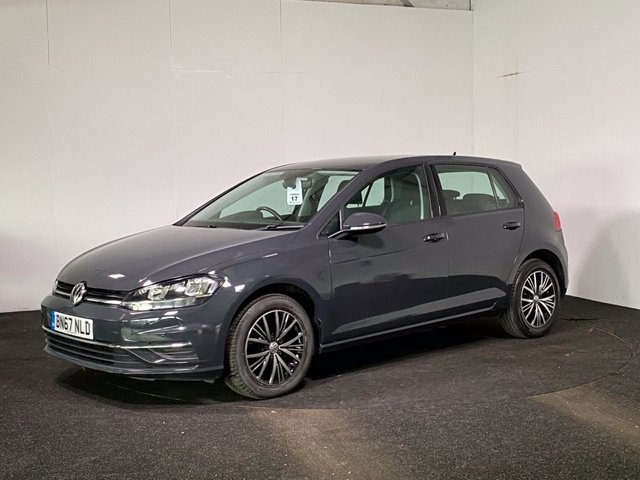 USED 2017 67 VOLKSWAGEN GOLF 1.6 SE NAVIGATION TDI BLUEMOTION TECHNOLOGY 5d 114 BHP DELIVERY + CLICK & COLLECT NOW AVAILABLE ON THIS VEHICLE