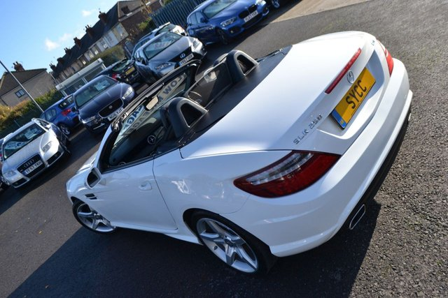 USED 2015 54 MERCEDES-BENZ SLK 2.1 SLK250 CDI BLUEEFFICIENCY AMG SPORT 2d 204 BHP ~ SAT NAV ~ AIRSCARF ~ PAN ROOF SAT NAV ~ HEATED SEATS ~ AIRSCARF ~ PAN ROOF ~ 2 KEYS