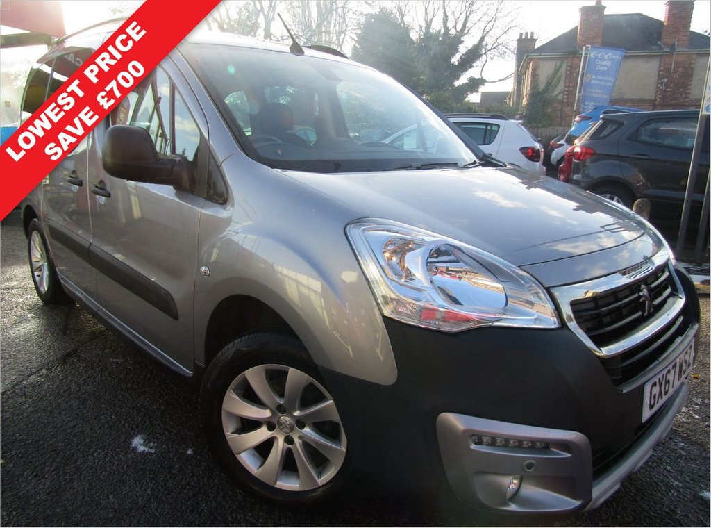 USED 2017 67 PEUGEOT PARTNER 1.2 PURETECH S/S TEPEE OUTDOOR 5d 110 BHP A ONE OWNER CAR , EX MOTABILITY WITH A  FULL SERVICE HISTORY,, GREAT SPEC CAR COMES WITH,  BLUETOOTH DAB DAYTIME  RUNNING LIGHTS  MUCH MORE, GREAT HIGHER DRIVING POSITION FOR EASY ACCESS,