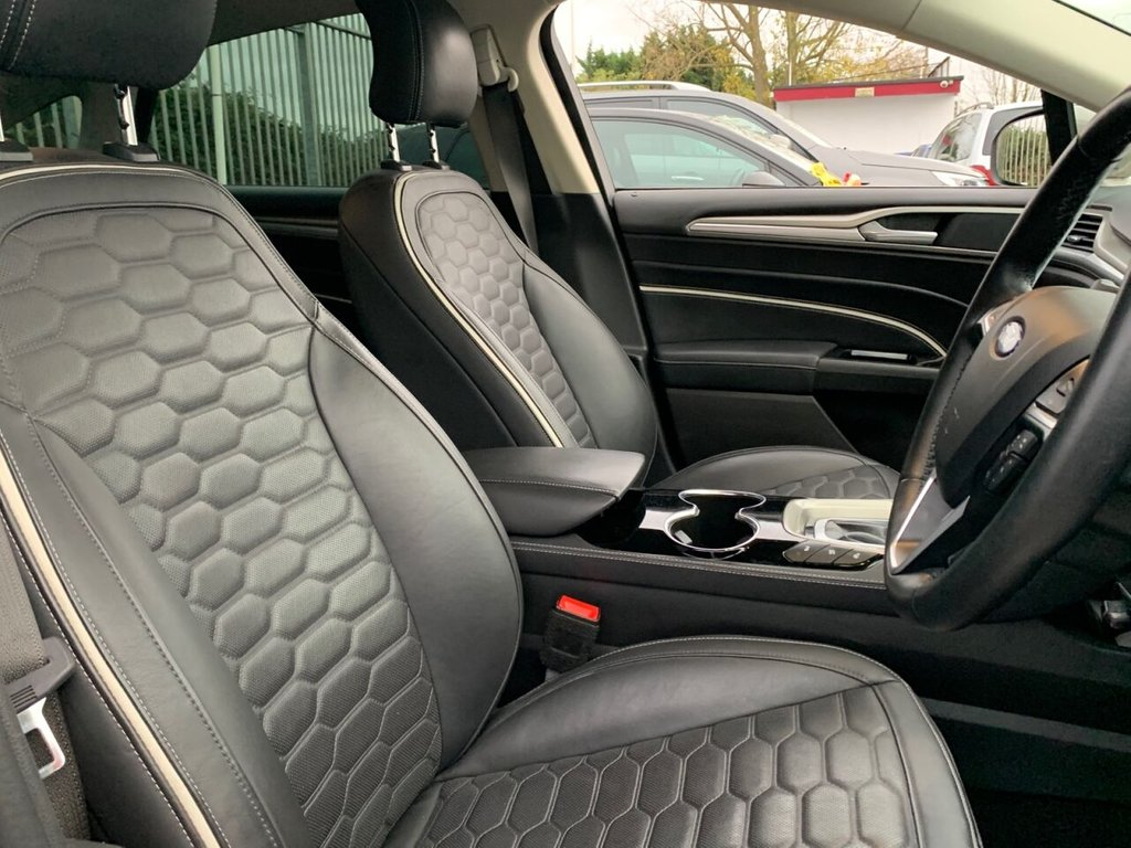 USED 2017 17 FORD MONDEO 2.0 VIGNALE HEV 4d 188 BHP