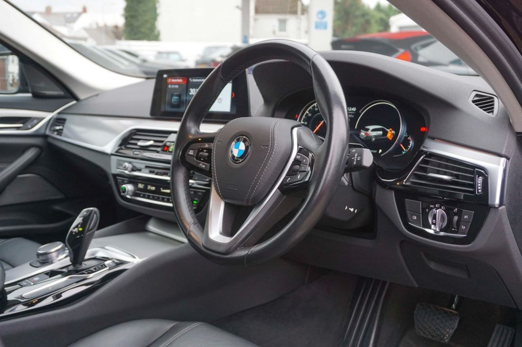 USED 2017 67 BMW 5 SERIES 3.0 530D XDRIVE SE TOURING 5d 261 BHP