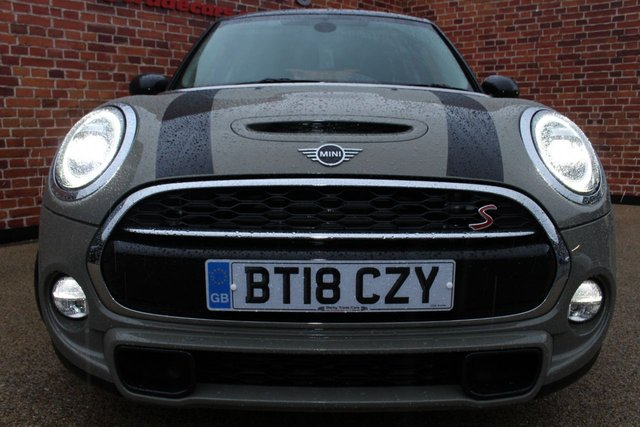 MINI HATCH COOPER at Derby Trade Cars