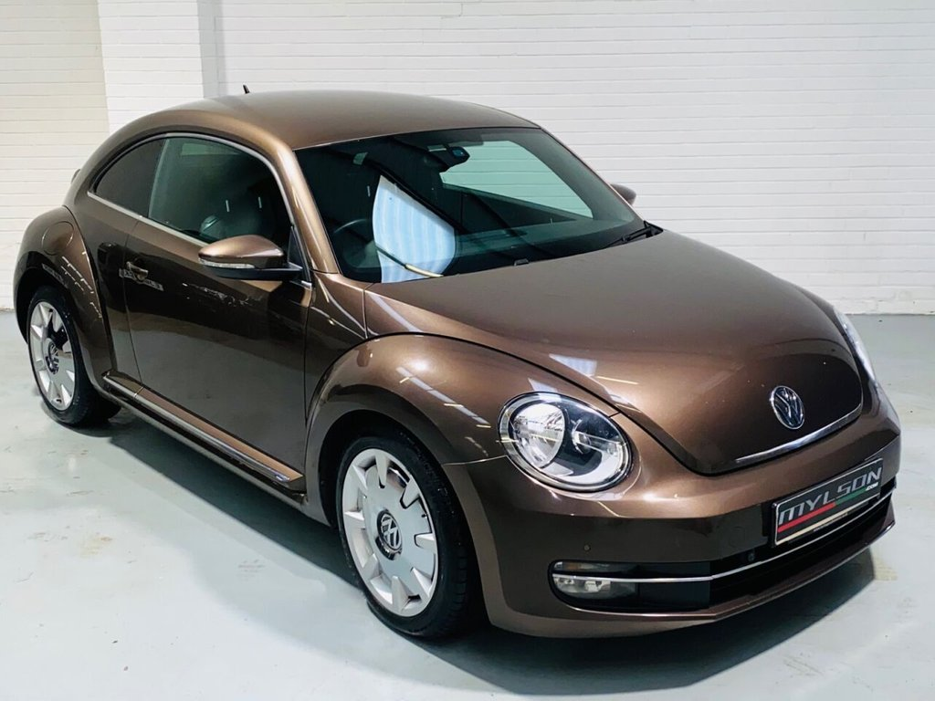 USED 2013 13 VOLKSWAGEN BEETLE 2.0 DESIGN TDI 3d 139 BHP DUE IN.. Stunning Metallic Toffee Brown with Discus Wheels, Privacy Glass, Rear Spoiler