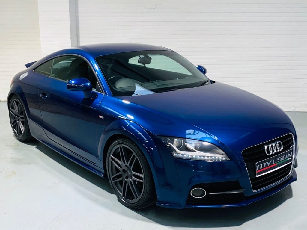 USED 2010 60 AUDI TT 2.0 TFSI S LINE 2d 211 BHP Scuba Blue with Full Black Leather Trim, Heated Seats, 19in RS Wheels, Xenon Headlights, BOSE Audio