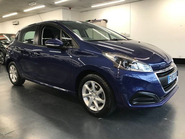 USED 2017 67 PEUGEOT 208 1.2 PURETECH S/S ACTIVE 5d 82 BHP 1 owner from new, Apple Car Play, Bluetooth phone