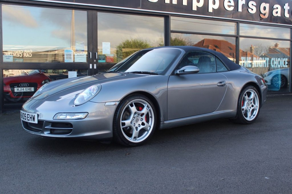 USED 2005 05 PORSCHE 911 3.8 CARRERA 2 S 2d 355 BHP Seal Grey Metallic, Hartech Porsche Specialists in October 2020 completed £14040 engine work on this car including 6 new closed deck aluminium alloy nikasil plated cylinders, timing chain set, crank shaft bearing set, intermediate shaft bearing etc along with a new clutch and flywheel, BOSE Sound System, Heated Seats, PCM Satalite Navigation Modual, Sports Chrono Pack, 2 keys and book Pack, Full Service History.