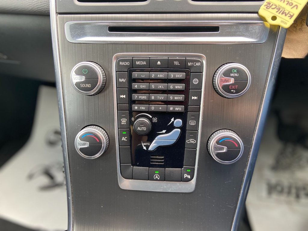 USED 2016 16 VOLVO XC60 2.0 D4 SE LUX NAV 5d 188 BHP