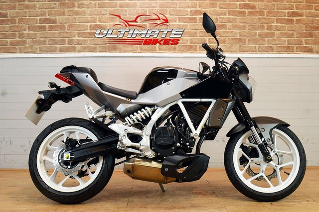 USED 2015 15 HYOSUNG GD250 N  - FREE DELIVERY AVAILABLE