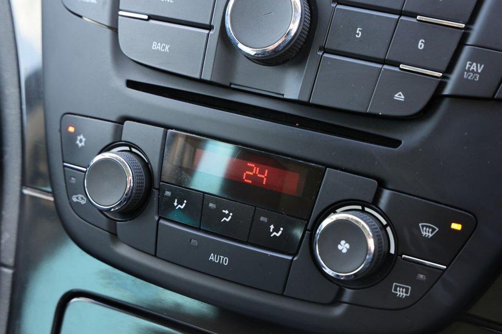 USED 2012 62 VAUXHALL INSIGNIA 2.0 SRI CDTI 5d 157 BHP