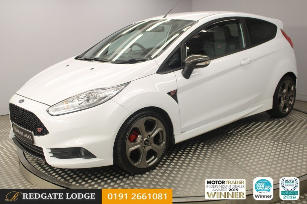 USED 2017 66 FORD FIESTA 1.6 ST-3 3d 180 BHP 4 SERVICES, HEATED LEATHER, REAR PARKING SENSORS, PRIVACY GLASS