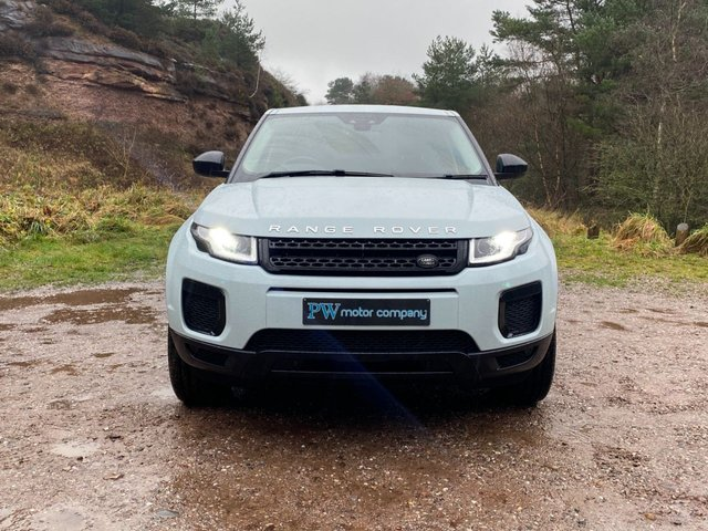 USED 2017 17 LAND ROVER RANGE ROVER EVOQUE 2.0 ED4 SE 5d 148 BHP STEALTH PACK