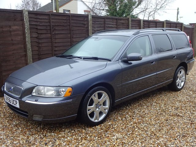 USED 2006 56 VOLVO V70 2.0T SE Automatic PART EXCHANGE TO CLEAR. **MOT TO DEC 2021**
