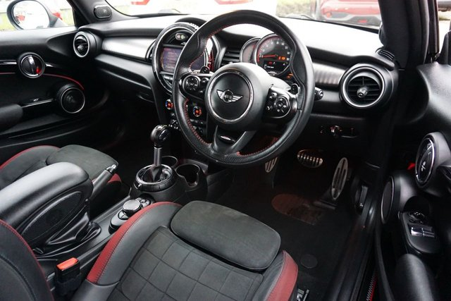 USED 2015 65 MINI HATCH JOHN COOPER WORKS 2.0 JOHN COOPER WORKS 3d 228 BHP !!!! GET A £500 FINANCE CONTRIBUTION + FREE DELIVERY GREAT LOW RATE %
